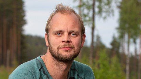 TAKKET JA FOR PENGER: Mímir Kristjánsson takket ja til «Farmen kjendis» for økonomisk gevinst.