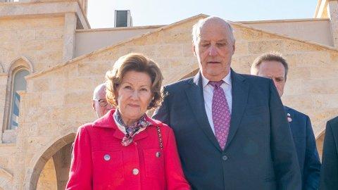 I SORG: Dronning Sonja og kong Harald er fortiden på statsbesøk i Jordan til tross for at de og resten i familien er i stor sorg etter Ari Behns dødsfall.
