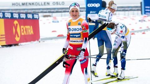 SLÅTT: Therese Johaug måtte se seg slått av Frida Karlsson på lørdagens tremil i Holmenkollen.