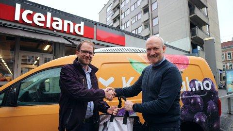 FORNØYDE: Både kommersiell direktør Tor Erik Aag i Kolonial.no (til venstre) og administrerende direktør Geir Olav Opheim i Iceland er fornøyde med avtalen de har gjort.
