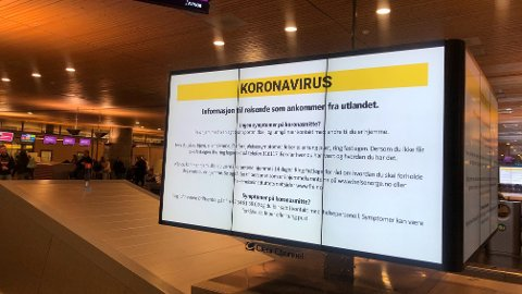 ALENE: Denne advarselen var det eneste passasjerene fra Málaga ble møtt av da de landet på Oslo Lufthavn Gardermoen torsdag ettermiddag.