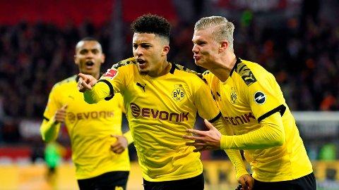 LEKEKAMERATER: Jadon Sancho kan være på vei til Manchester United. Engelskmannen har kombinert med Erling Braut Haaland stått for intet mindre enn 39 målpoeng totalt i Bundesliga denne sesongen.