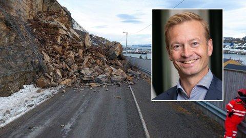 Helge Orten er leder i transportkommiteen på Stortinget. Han ber fylkeskommunene sette fart på arbeidet med fylkesveiene for å stimulere norsk økonomi.