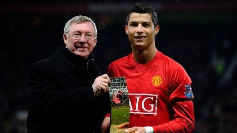 GLANSDAGENE: Cristiano Ronaldo ble kåret til verdens beste spiller i sin tid på Old Trafford med sir Alex Ferguson.