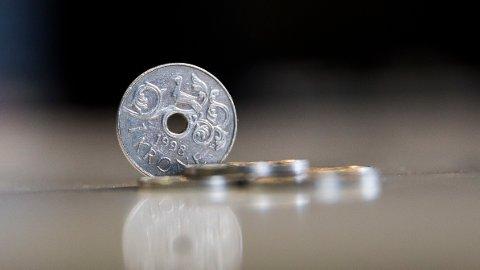 I en undersøkelse gjort av Reuters blant norske og utenlandske makroøkonomer, gir en prognose på forsiktig positiv utvikling for den norske kronen.
