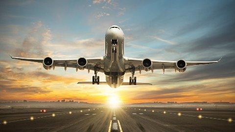 SOLEN PÅ VEI NED: Solen skinner definitivt ikke på flyselskapene, trafikken er nå ned med over 90 prosent i forhold til i fjor.