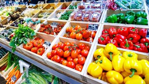 STOR PRISFORSKJELL: I ukens handlekurv er det mye frukt og grønt, og noen lettprodukter. Det er stor prisforskjell mellom kjeden som kommer best ut og den som kommer dårligst ut. Illustrasjonsfoto.