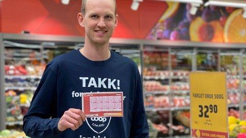 Tom Eivind Hansen har merket økt pågang av folk i spillekassen denne uken. Foto: Privat