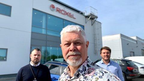 OMVELTING: I 2018 ble industriselskapet Roxel trukket frem av statsministeren som et lysende eksempel på omstilling. Nylig ble hele styret og store deler av toppledelsen skiftet ut, og daglig leder Sigve Sandvik står i spissen for det konsernet kaller Roxel 2.0. Her sammen med finansdirektør Øyvind Osjord (til høyre) og Asbjørn Lunde, salgsdirektør for olje og gass.