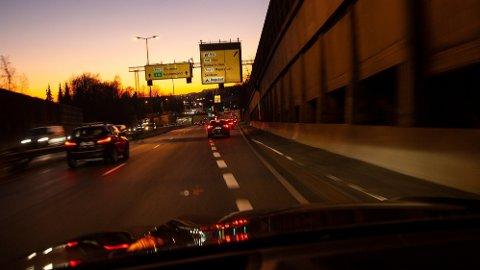 Trafikken i Oslo falt med 33 prosent etter at korona-tiltakene ble innført, men nærmer seg nå igjen normalen.