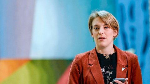 SKATTESKJERPELSER: SVs medlem i finanskomiteen, Kari Elisabeth Kaski, vil ha skatteøkninger på 15-20 milliarder kroner.