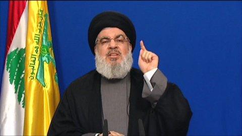 Hizbollah-lederen Hassan Nasrallah viser seg sjelden offentlig. Her er den mektige lederen i fri utfoldelse under en TV-overført tale 4. mai i år.