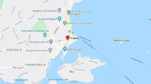 KNIVSTIKKING: En person ble knivstukket i Kragerø fredag kveld.