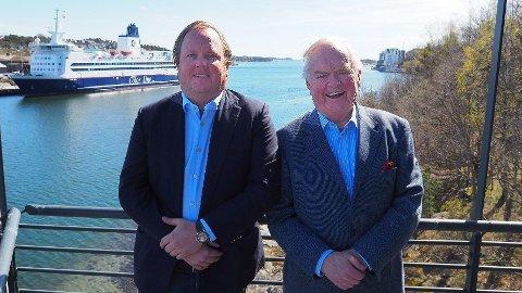 Skipsreder Herbjørn Hansson (t.h) og sønnen og investoren Alexander Hansson hjemme ved hovedkontoret i Sandefjord.
