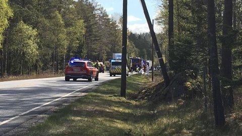 ULYKKESSTEDET: Trafikkulykken har skjedd her på fylkesvein 21 mellom Halden og Aremark like før Fjell bru.