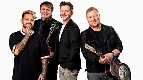 VELLYKKET SAMARBEID: Espen Lind (nummer to fra høyre) har hatt mye glede av samarbeidet med de nye Gitarkameratene, og gjengen var på en norgesturné i fjor.