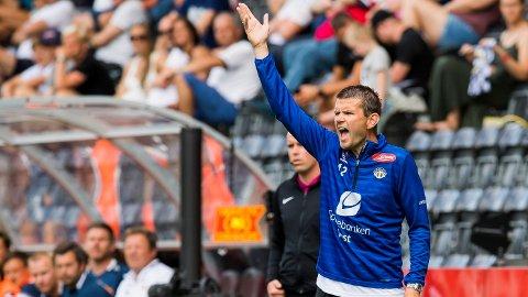 SOGNDØL: Sogndal-trener Eirik Bakke råder over Obos-ligaens yngste spillergruppe. Nå har også sønnen på 16 tatt steget opp i A-stallen. Foto: Fredrik Varfjell / BILDBYRÅN.
