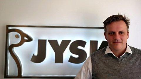 JUBLET: Ledere i Jysk-kjeden jublet over omsetningsvekst på grunn av det de døpte «shoppingviruset» mens ansatte sto permittert.Salgs- og markedssjef Are Bjøntegaard beklager.