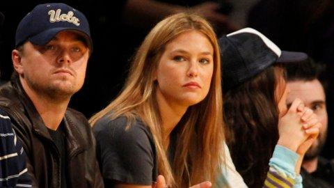 Bar Refaeli har erklært seg skyldig i skatteunndragelse, og er dømt til ni måneder samfunnsstraff. Her med ekskjæresten Leonardo DiCaprio i 2010.