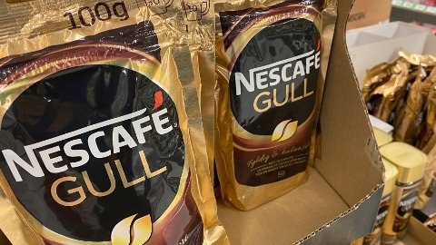 KAFFEKUPP: Mens mat blir dyrere, blir kaffe billigere.