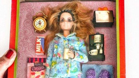 KARANTENE-BARBIE TREFFER MANGE: Fra urealistisk skjønnhetsideal til karantene-Barbie fra virkeligheten. Amerikansk bestemor med suksess på Instagram.