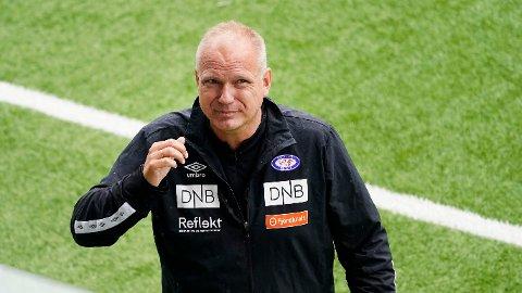 Vålerenga-trener Dag Eilev Fagermo leder sin første offisielle kamp i klubben.