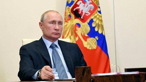NYE ÅR? Russlands president Vladimir Putin stenger ikke døren for for gjenvalg.