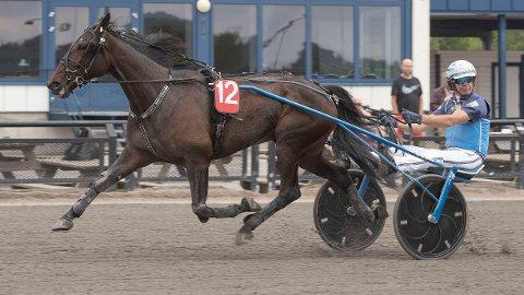 Sofies Case og Frode Hamre blir store favoritter i V5-1 på Jarlsberg mandag. Foto: Anders Kongsrud/www..hesteguiden.com.