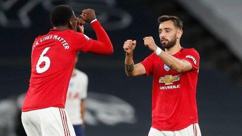 UTE? The Mirror spekulerer i om både Bruno Fernandes og Paul Pogba mister lørdagens oppgjør i Premier League.