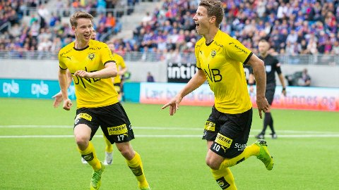 Det bør bli mer jubel for Lillestrøms Thomas Lehne Olsen (t.h.) og Kristoffer Ødemarksbakken i kveldens hjemmekamp mot HamKam.