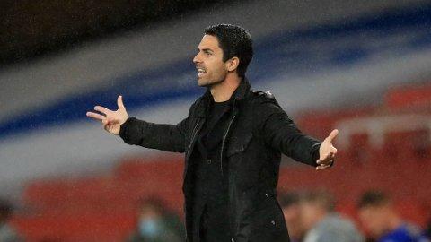 KRITISK TIL DØMMINGEN: Arsenal-manager Mikel Arteta likte ikke at Eddie Nketiah ble utvist i tirsdagens kamp mot Leicester.