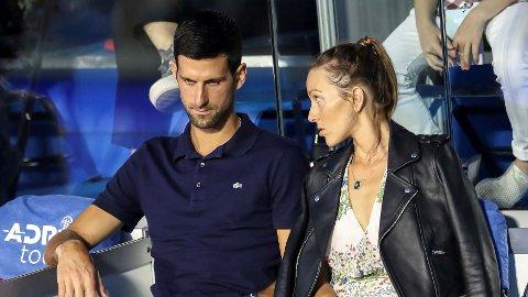 Novak Djokovic og kona Jelena har vært utsatt for hard kritikk etter tennisturnering, festing og korona.