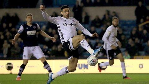Toppscorer Aleksandar Mitrovic er tilbake etter karantene for Fulham til kveldens hjemmekamp mot Cardiff.