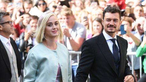Katy Perry letter på sløret om historien bak de berømte bildene fra en ferie med forloveden Orlando Bloom i 2016.