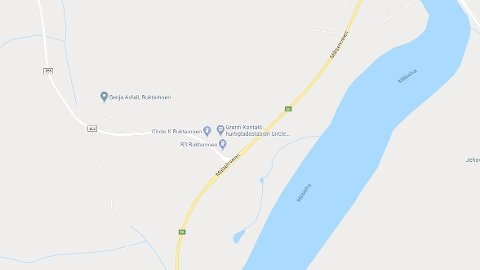 ULYKKE: Tilstanden er uavklart etter en trafikkulykke i Buktamoen i Troms fredag ettermiddag.