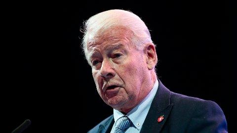 VIL TILBAKE: Carl I. Hagen har flere tiår bak seg som politiker for Fremskrittspartiet.