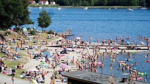KORTVARIG: Lørdag er det bare å trekke i bikini og badebukser og nyte et kortvarig glimt av ekte sommer i store deler av Sør-Norge.