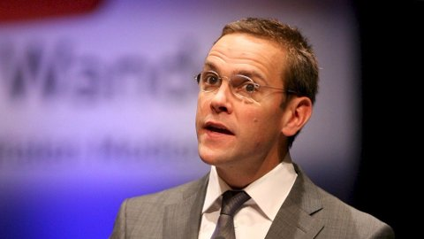 James Murdoch, sønnen til Rupert Murdoch, trekker seg fra styret i News Corp.