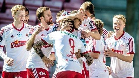 Fredrikstad har vunnet fire av fire kamper så langt og holder stø kurs mot OBOS-ligaen.