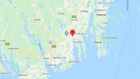 En barnehageansatt i Sandefjord har testet positivt for covid-19.