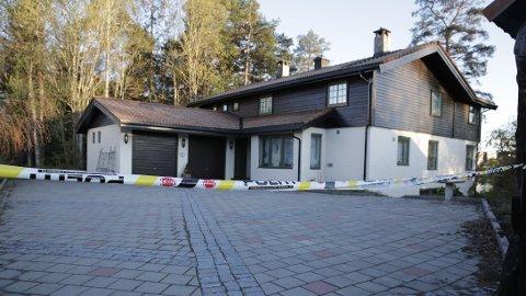 Politiet står fast ved teorien om at Hagen-familiens bolig i Sloraveien 4 på Fjellhamar er åstedet for drapet på Anne-Elisabeth Hagen.