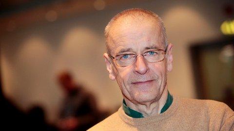 - TRIST OG LEIT: TV 2-reporter Ernst A. Lersveen har fulgt Petter Northug tett gjennom karrieien hans. Lersveen synes det er trist og leit å høre om nyheten om Northug.