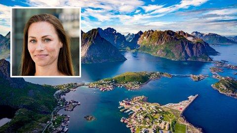 Mange nordmenn ferierte i Lofoten i sommer. Og betalte eventyret med kredittkort. Cecile Tvetenstrand (innfelt) har et klart råd for å unngå å betale på årets sommerferie i årevis: - Gjør opp for deg så fort som mulig. Kredittkortbruk kan fort bli veldig, veldig kostbart.
