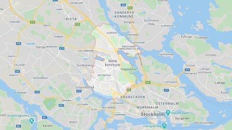 To tenåringsgutter ble grovt mishandlet på en kirkegård i Solna kommune i Stockholm.