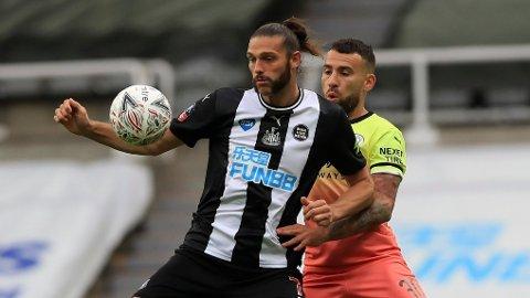 Andy Carroll er tilbake i Newcastle, men han er bare en av flere spisser som sliter med å finne målet for laget.