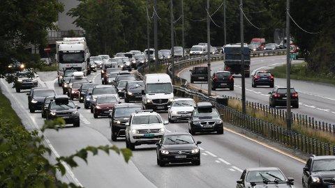 POPULÆRT: Når nordmenn kjøper bil, velger de aller, aller fleste diesel- eller bensinbil.