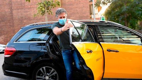 Jorge Messi, far og agent for Lionel Messi, ankom Barcelona onsdag. Senere på dagen skal presidentens bil ha ankommet huset der han oppholder seg i byen.