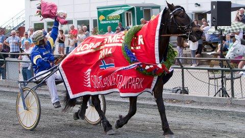 Kristian Malmin og Åsrud Vilja. I kveld kjører Ulf Ohlsson. Foto Morten Skifjeld/Hesteguiden.com