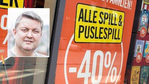 SKEPTISK: - Det hjelper jo ingenting med 40 prosent rabatt når førprisen ser ut til å være skyhøy, sier Rune Kaino Nikolaisen fra Gjerrigknark.com om bokhandelen Arks salgskampanje.