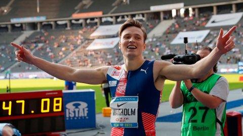 Karsten Warholm leverte sterke 47,08 når han vant 400 meter hell under søndagens stevne på Olympiastadion i Berlin. I kveld løper Warholm 400 meter hekk under Diamond League i Roma.
